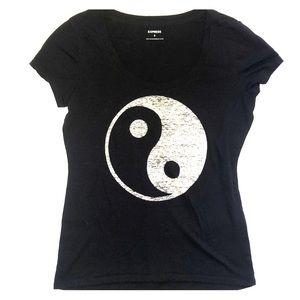 Express yin n yang graphic tee